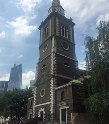 St. Botolph's Without  Aldgate. Photo by Mackie Black