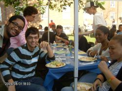Students_at_Intercultural_Affairs_Opening_Picnic