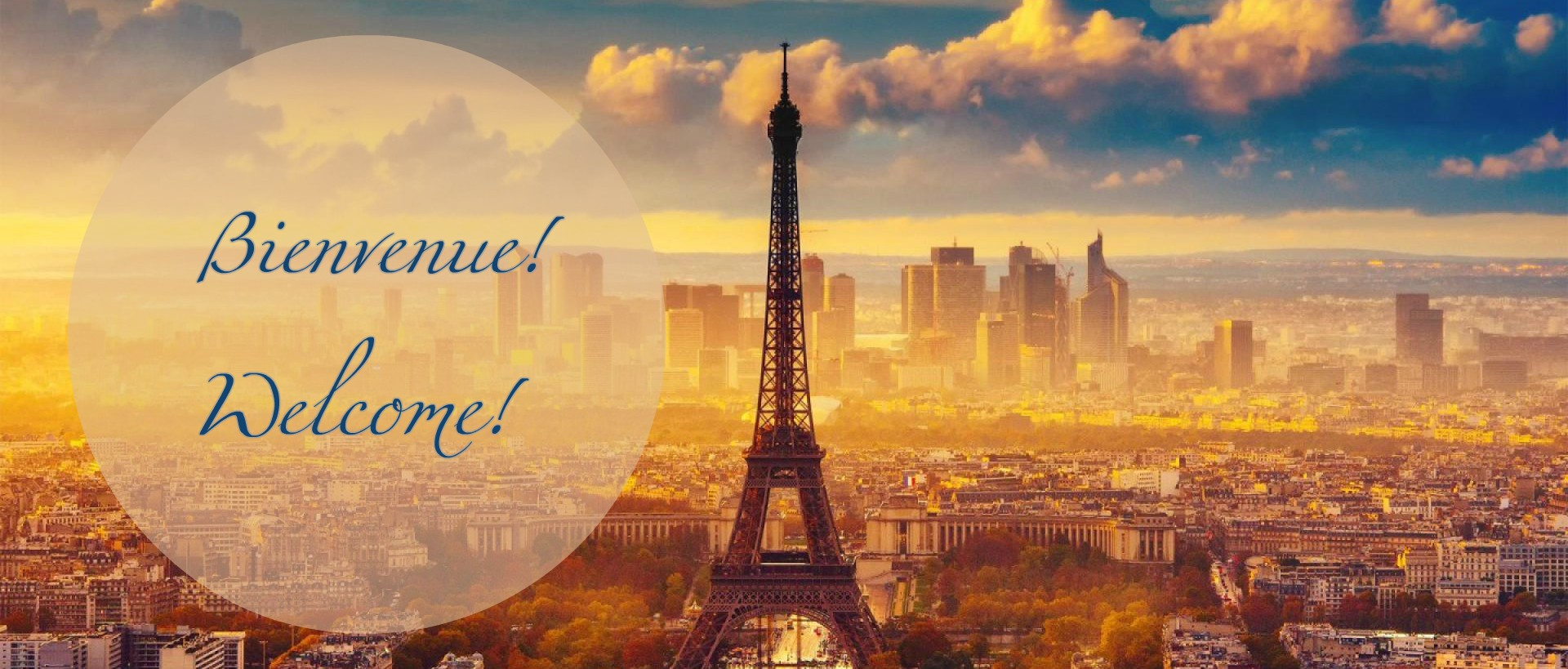 A picture of Paris with the word Bienvenue! (Welcome in French).