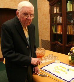 Hart in 2007 before he cuts the cake during his 90th birthday celebration at the College.