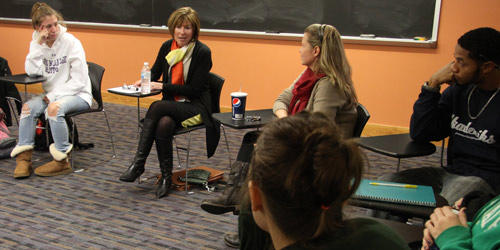 Trustee Diane Carr, '81, speaks in Vicki Baker's Women in Business and Leadership class.