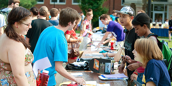 Students learn about campus organizations during Briton Bash.